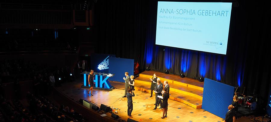 Industrie- und Handelskammer IHK Landesbestenehrung Tonhalle Düsseldorf SSP Architekten, Anna-Sophia Gebehart